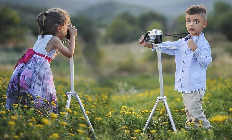 kids using camera